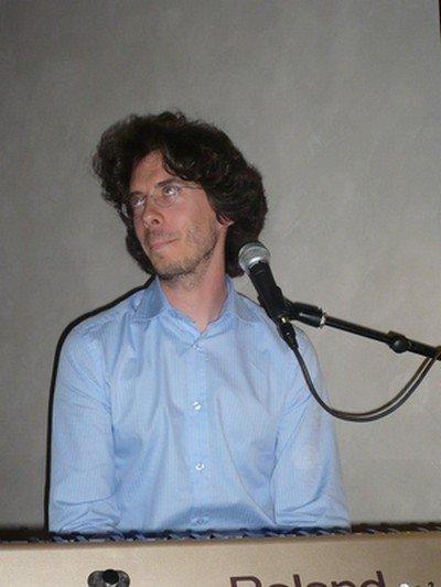 Egon en deux concerts... dans christodisco... CCSEgonBxJuin08-14
